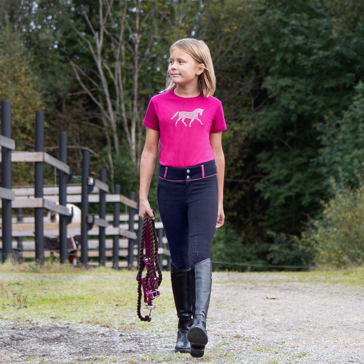 Ridebukser designet til børn er mindre og har typisk mere stretch end voksenbukser