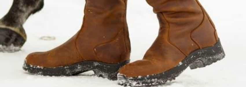 Termoridestøvler i sne